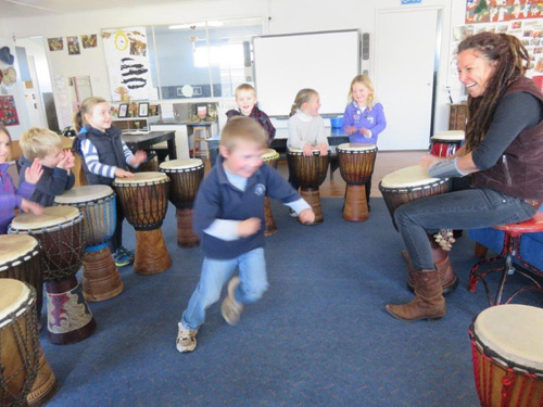 Danielle-Perry-with-small-drummers-and-a-dancer-at-preschool-.jpg